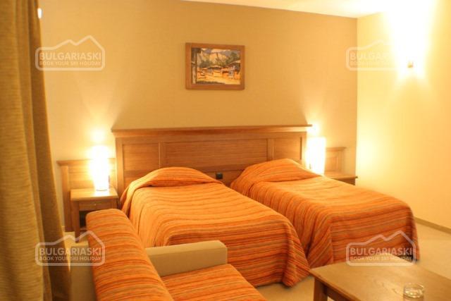 Lion Hotel7