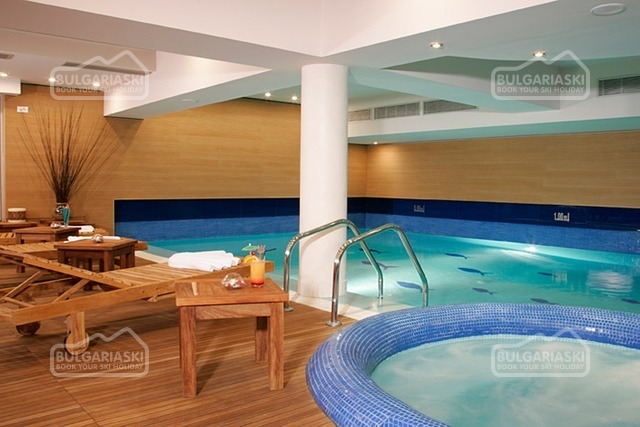 Lodge Hotel14