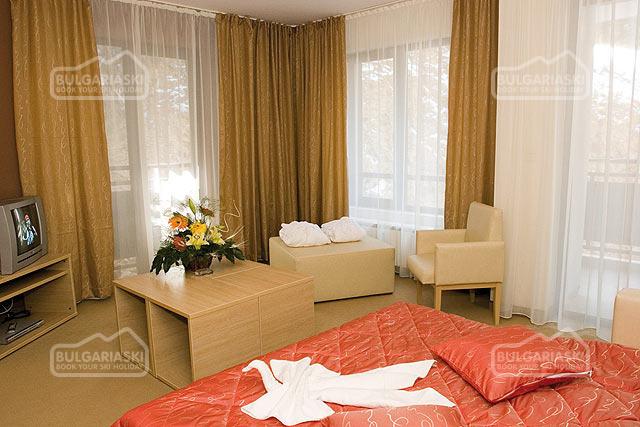 Royal Lodge Spa Hotel9
