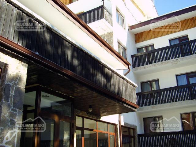 Mountain Lakes Hotel3