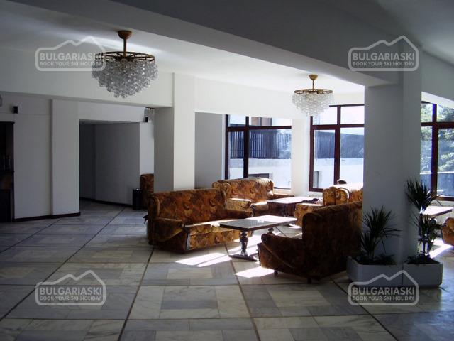 Mountain Lakes Hotel5