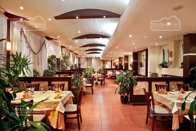 Flora hotel16
