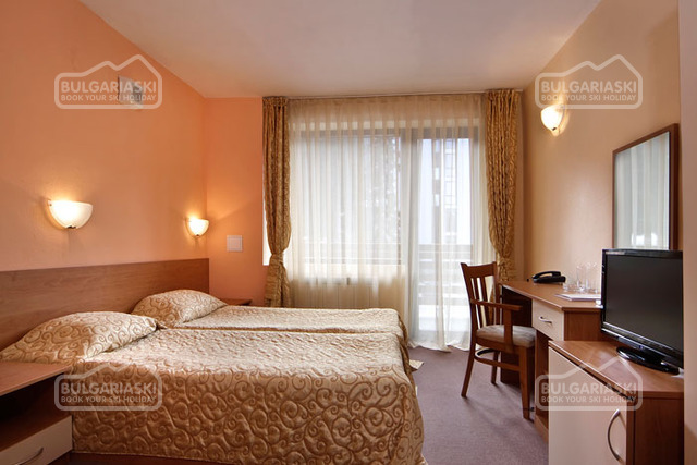Flora hotel10