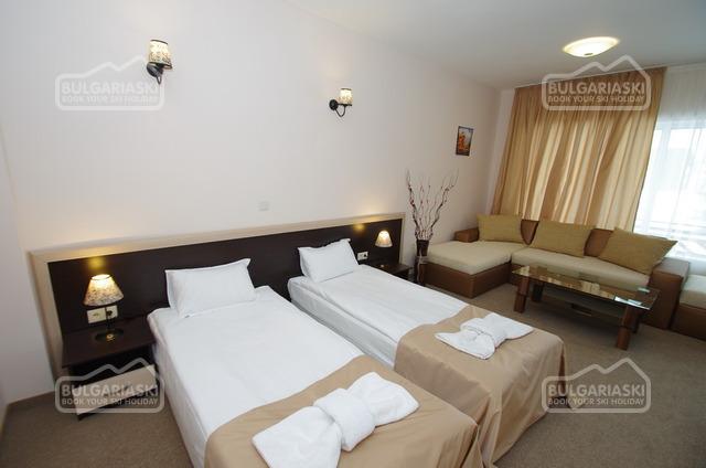 Royal hotel10