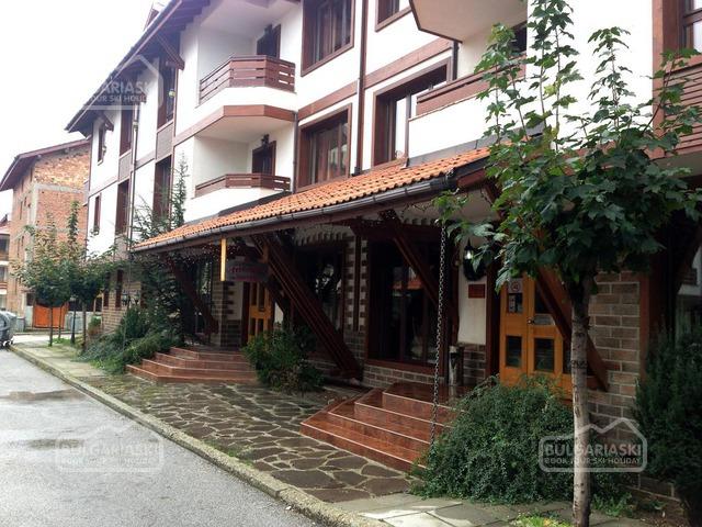 Friends Hotel2