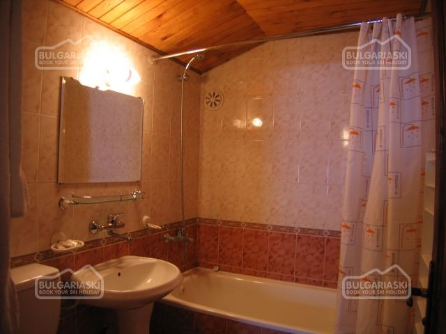 Tourist Hotel9